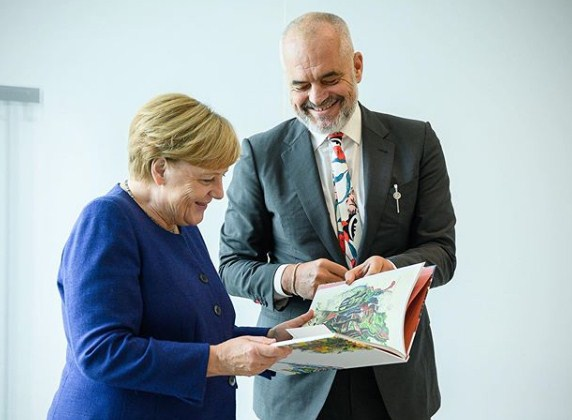 Merkel's office reacts about meeting with Rama: Decision about  negotiations, by end of September - Top Channel