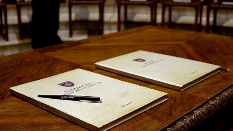 Kushtetuta e Kosovës/ Si mund të shkarkohet presidenti - Top Channel