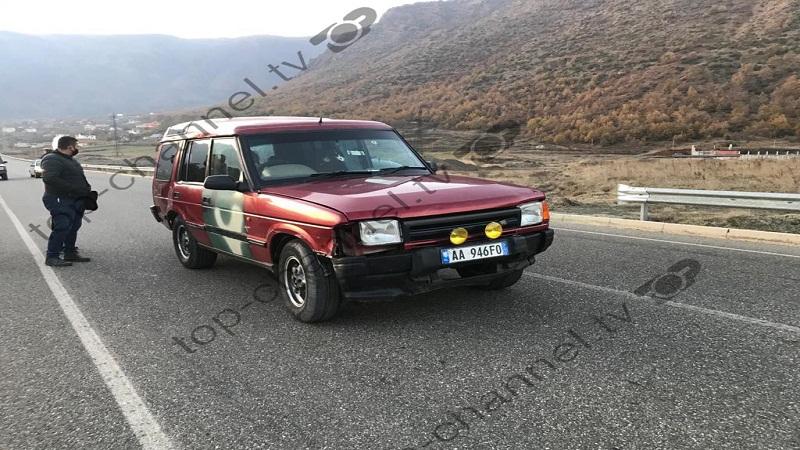 Fotot/ Atentat në Bulqizë, makina bëhet 'shoshë' nga plumbat