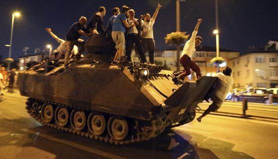 Turqi, grushti i shtetit/ Dënime me burgim të përjetshëm