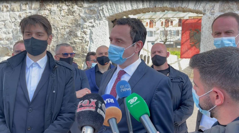 Albin Kurti shkon në Lezhë/ Mbledh politikanë shqiptarë për të përkujtuar Besëlidhjen - Top Channel