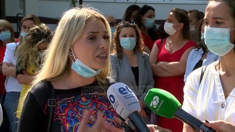 pushohen-nga-puna-infermieret-edhe-ne-spitalet-e-kosoves-largohen-ata-qe-sherbyen-gjate-pandemise