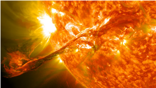 stuhia-diellore-e-radhes-mund-te-shkaktoje-apokalipsin-e-internetit-ne-toke-thone-studiuesit-fotot