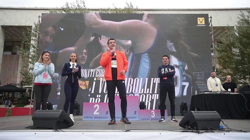 fituesit-e-maratones-se-tiranes-cmimin-e-merr-nje-atlet-shqiptar-dhe-nje-ukrainase